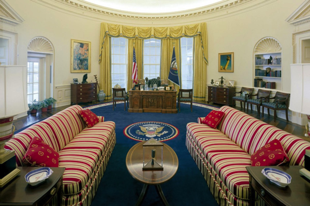 a replica of the oval office as it appeared during