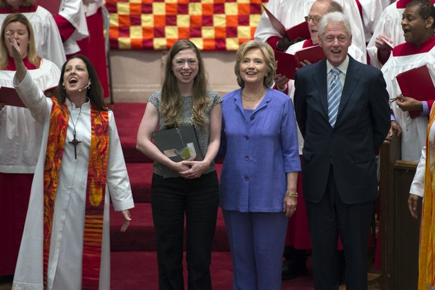 democratic-presidential-candidate-hillary-rodham-clinton-center-right-her-daughter-chelsea-second-from-left-and-former-president-bill-clinton-attend-the-foundry-united-methodist-church-for-their-bicentennial-homecoming-celebration-in-washington-sunday-sept-13-2015-during-bill-clintons-presidency-the-clintons-worshipped-and-participated-regularly-at-foundry-rev-ginger-gaines-cirelli-stands-at-left