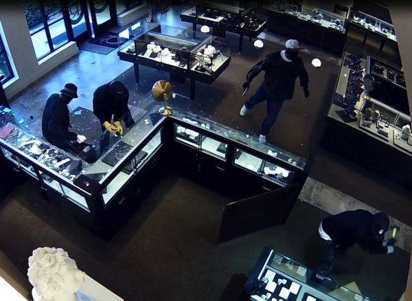 jewelry robberies lr jewelry store robbed seek 5 7299