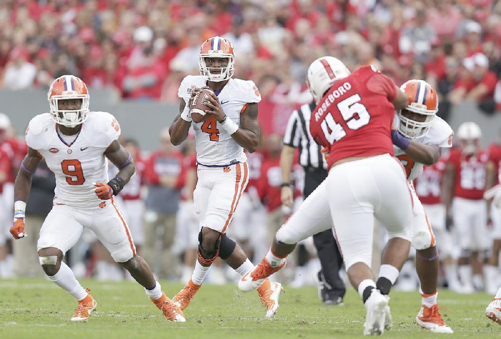 College Football Rankings Playoff >> Clemson quarterback Deshaun Watson (4) is one reason the Tigers ...