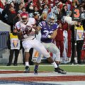 University of Arkansas tight end Jeremy Sprinkle (83) makes a touchdown catch Jan. 2 in the Liberty ...