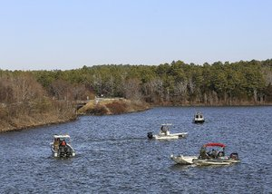 2 found dead in Lake Maumelle