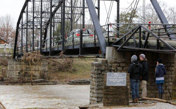 Benton county amends war eagle bridge schedule nwadg for Craft fair fayetteville ar