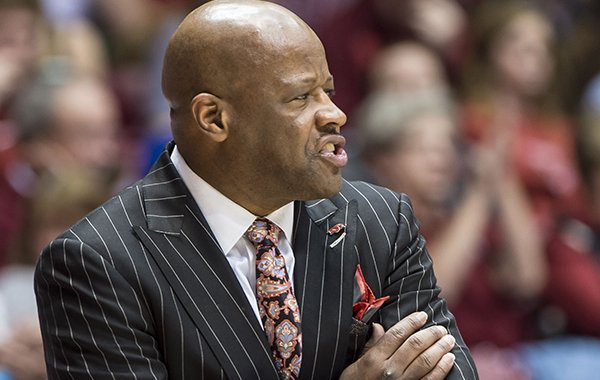 Arkansas coach Mike Anderson grimaces after a call went against the team during an NCAA college basketball game against Alabama on Wednesday, March 2, 2016, in Tuscaloosa, Ala. (Vasha Hunt/AL.com via AP)