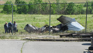 1 dead, 1 hurt after small plane crashes in North Little Rock