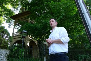 Ghost tours a walking dread, residents in one Arkansas city say