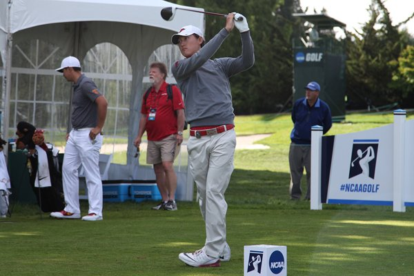 Arkansas' Charles Kim hits a shot during the second round of the NCAA Championships on Sunday, May 29, 2016, in Eugene, Ore.