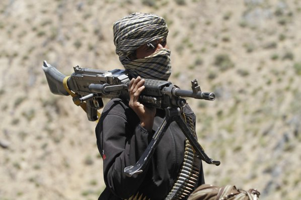Afghan officials: 6 police killed in battle with IS