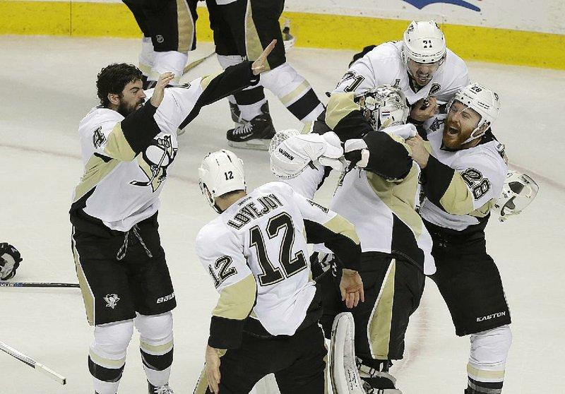 100% authentic c8ead 21631 Crosby, Penguins Stanley Cup champs again