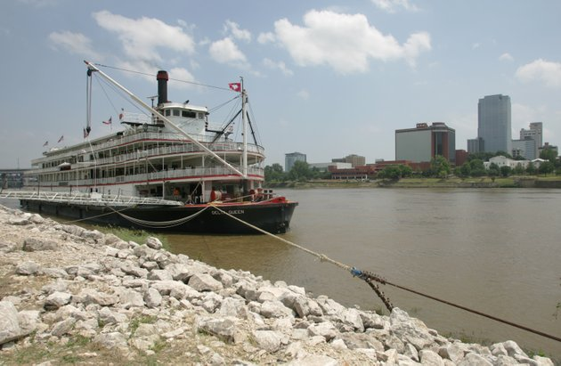 the-riverboat-delta-queen-is-tied-up-on-the-north-little-rock-side-of-the-arkansas-river-in-this-june-7-2007-file-photo