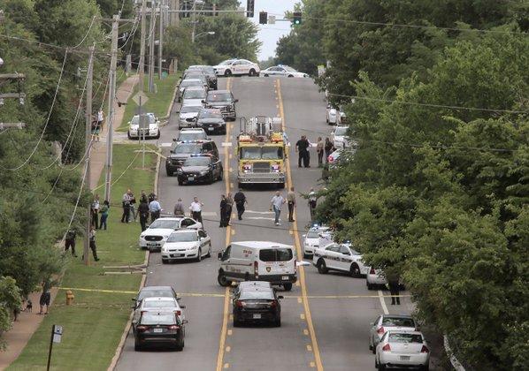 Officer Shot near St. Louis