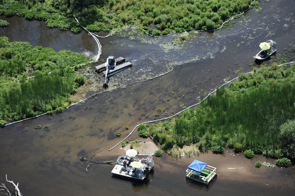 $176M to settle oil spill in river