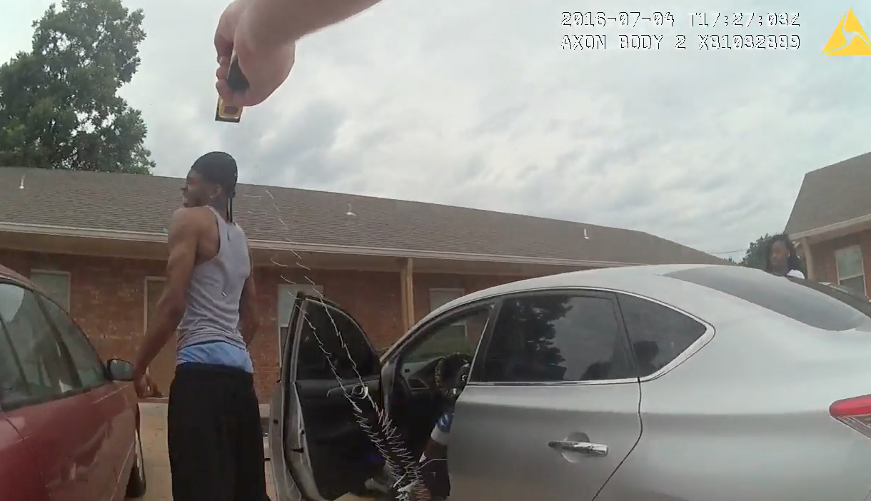 Video arkansas man shot with taser awarded 35 000 officer used excessive force lawsuit claimed