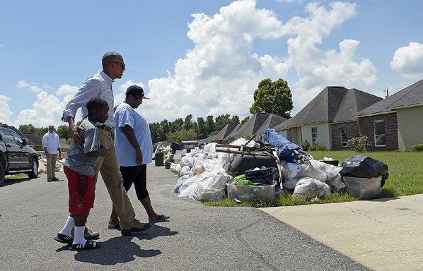 Cleanup Crews Roll Through Baton Rouge After Louisiana Flooding