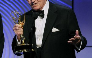 "In this June 16, 2013 file photo, Charles Osgood accepts the award for outstanding morning program for ""CBS Sunday Morning"" at the 40th Annual Daytime Emmy Awards in Beverly Hills, Calif."