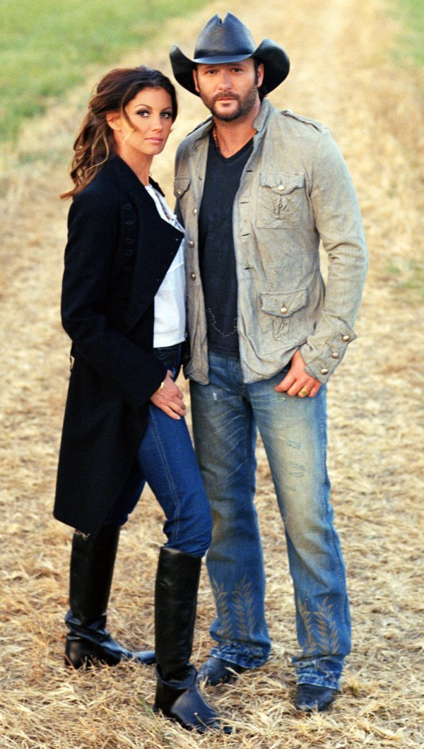 Tim mcgraw faith hill set return to north little rock in 2017 for How old are tim mcgraw and faith hill s kids