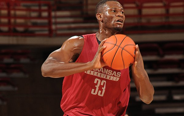 Arkansas' Moses Kingsley participates in practice Wednesday, Oct. 5, 2016, in Bud Walton Arena.