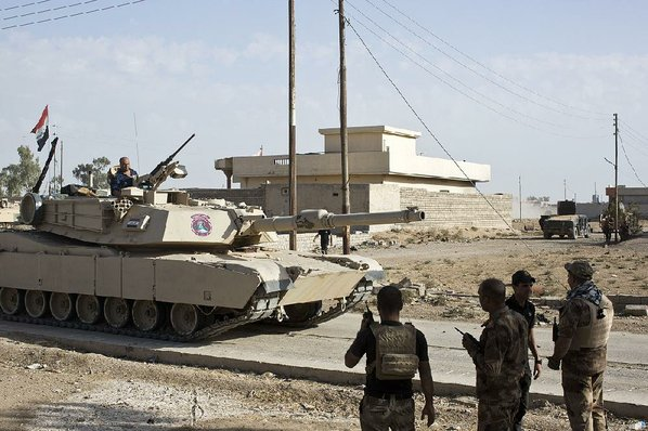 Iraqi forces enter Mosul as battle for the city begins
