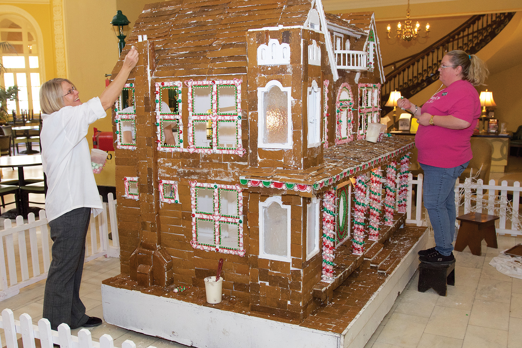 Gingerbread House Takes Up Sweet Spot At Spa City Hotel