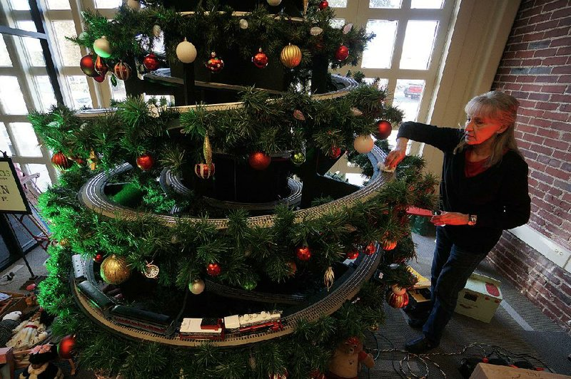 Christmas Tree Train.North Little Rock Exhibit A Salute To City S Railroad Roots