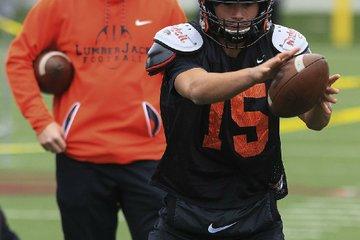 Warren quarterback Hayden ...