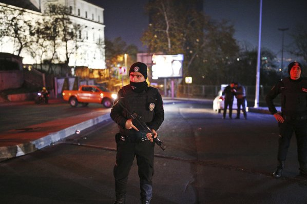 Explosions rock central Istanbul, 20 reported injured