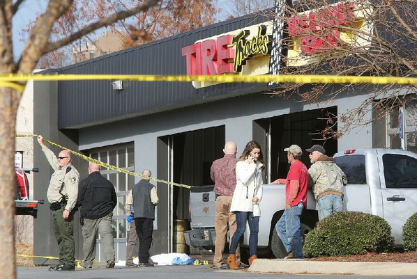 Arkansas deputy shoots, kills man at Fayetteville tire store