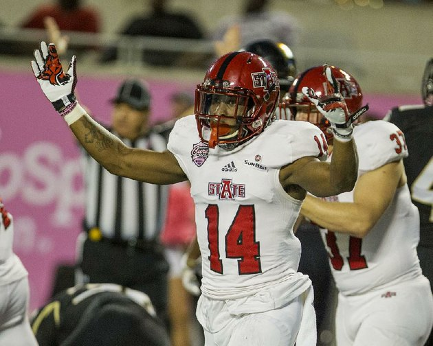 arkansas-state-wide-receiver-chris-murray-and-the-red-wolves-knocked-off-central-florida-31-13-in-the-cure-bowl-on-dec-17-in-all-sun-belt-conference-teams-went-4-2-in-bowl-games-a-mark-that-topped-the-leagues-2-2-finish-during-the-2015-season