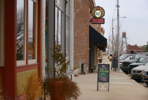 nwa-democrat-gazetteben-goff-8226-nwabengoff-a-view-of-businesses-on-south-1st-street-in-downtown-rogers