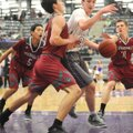 Fayetteville's Caleb Finney (20) attempts to drive to the basket while Springdale High's Carl Fitch ...
