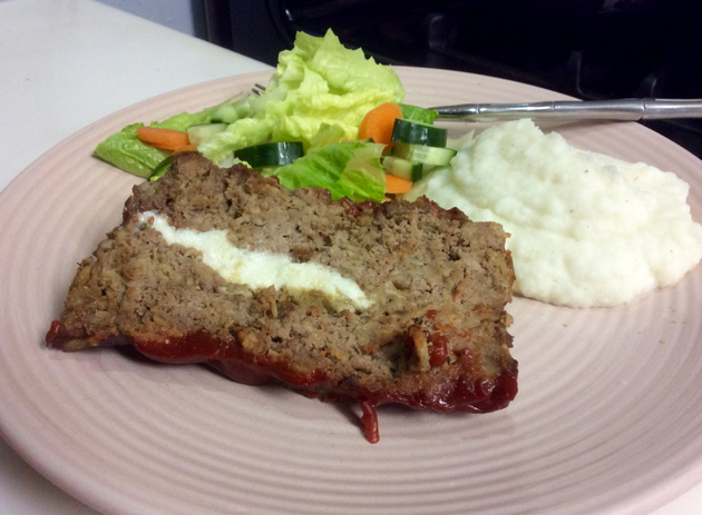 joes-mozzarella-stuffed-meatloaf