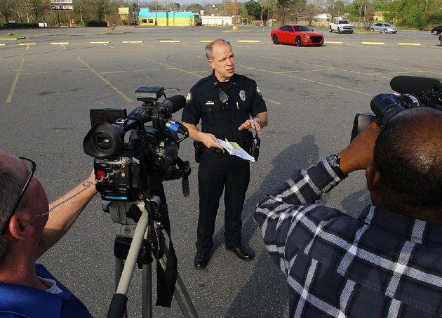 Teen Fatally Shot In Parking Lot Of Little Rock Kroger - Kroger in little rock
