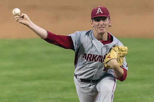 Arkansas pitcher Trevor Stephan delivers in the first inning of an NCAA college baseball game against Arkansas, Saturday, April 1, 2017, in Tuscaloosa, Ala. (Vasha Hunt/AL.com via AP)