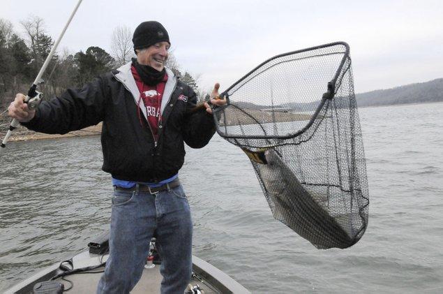 Depth finders offer a peek down deep nwadg for Take me fishing lake locator