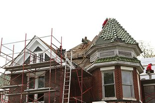 Hot Springs Sentinel Record Roof Nears Completion