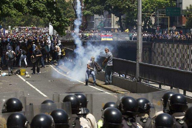 Governor latest opposition leader targeted in Venezuela