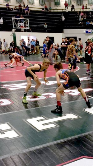 Levi Smith looking to set up a takedown