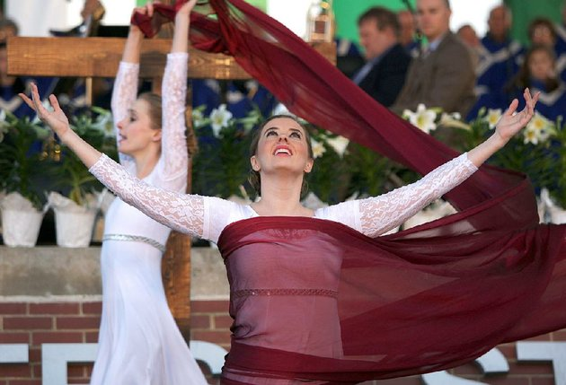 erin-sanders-front-and-kathleen-marleneanu-of-new-creation-dance-company-perform-during-the-community-easter-sunrise-service-at-first-security-amphitheater-on-march-27-2016
