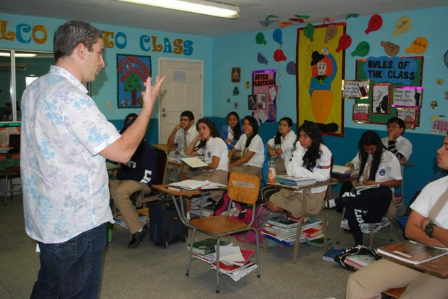 poet-richard-blanco-teaches-poetry-to-the-girls-of-our-little-roses-in-san-pedro-sula-honduras