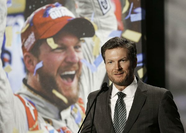 Dale Earnhardt Jr. to retire after 2017 season