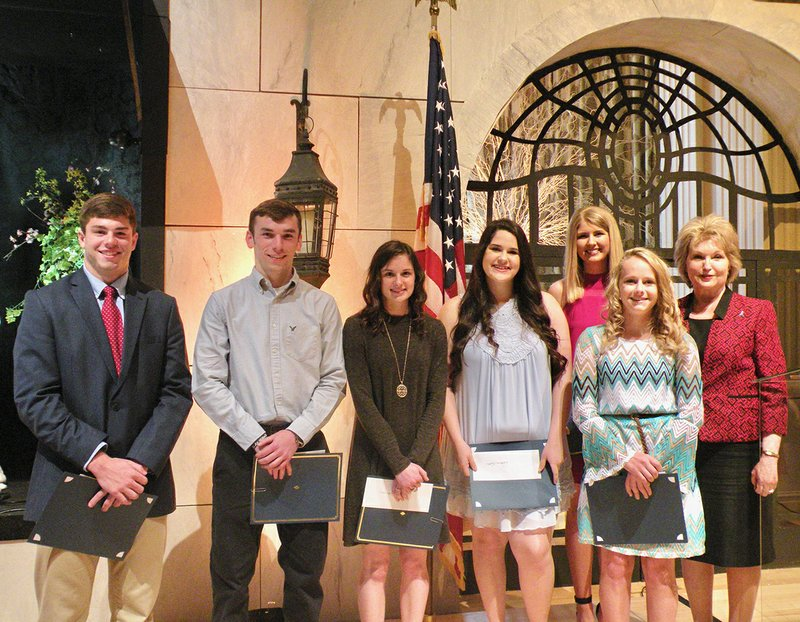 Altrusa club honors students with luncheon at mansion