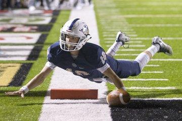 Bentonville West quarterback ...