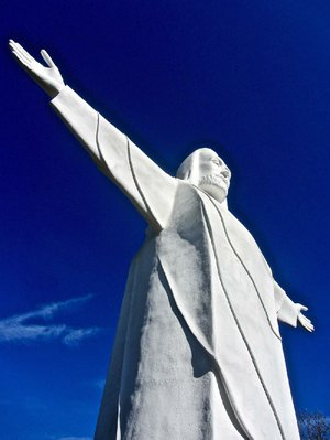 Christ of the Ozarks, on the outskirts of Eureka Springs, is the 10th tallest statue in the United States.