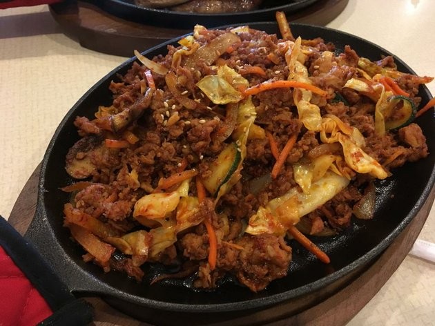 jeyuk-bokkeum-spicy-ground-pork-stir-fried-with-vegetables-and-served-on-a-skillet-is-among-the-korean-specials-at-kimchi-on-south-university-avenue-in-little-rock