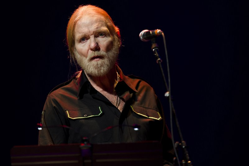 southern rocker allman dies at 69. Black Bedroom Furniture Sets. Home Design Ideas