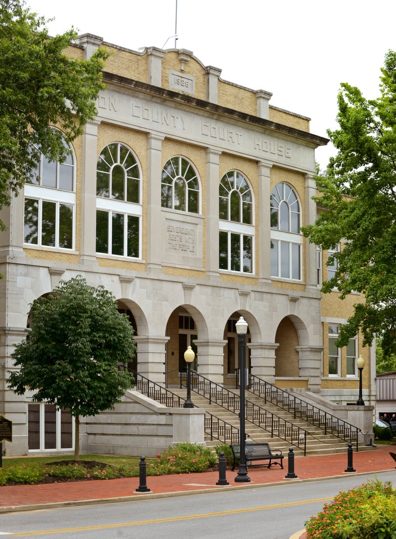 Benton County officials quiz architects on courts plan