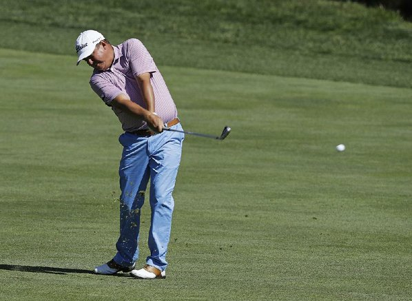 Friday's roundup: Dufner has another 65, opens big lead