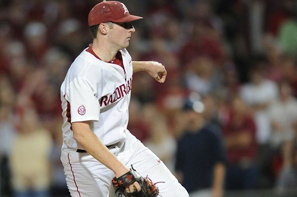 Arkansas rallies for 6-hour 11-10 win over Missouri State