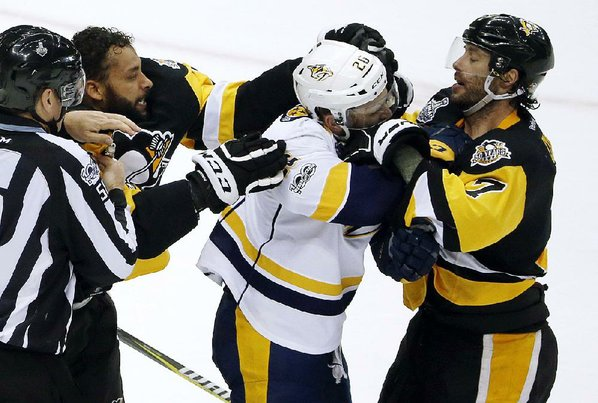 NHL: Penguins thrash Preds to take 3-2 series lead