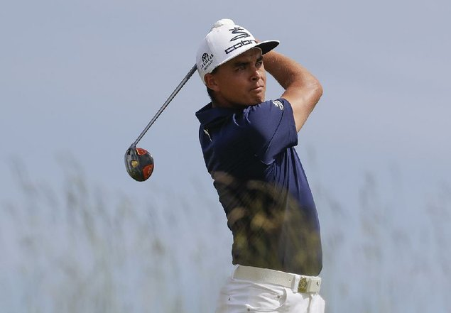 Fowler leads US Open as Day struggles